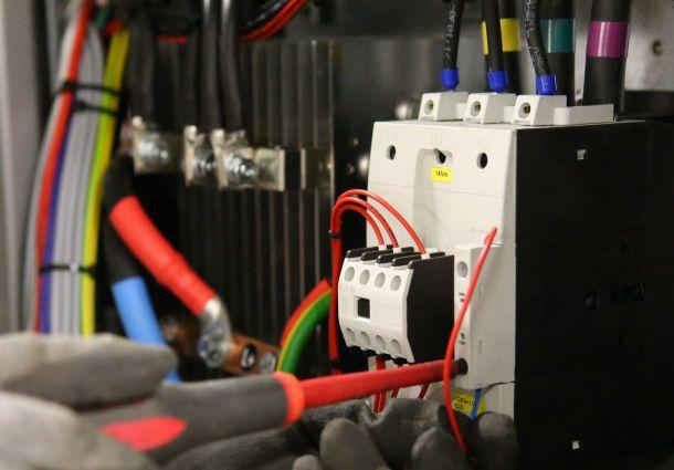 Elektroinstallation erneuern for Modernes haus elektrik
