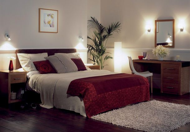 beleuchtung im schlafzimmer deckenspot nachtlicht co. Black Bedroom Furniture Sets. Home Design Ideas