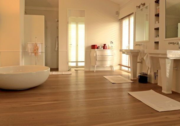 Badezimmer Holzboden Fliesen - homeautodesign.com -