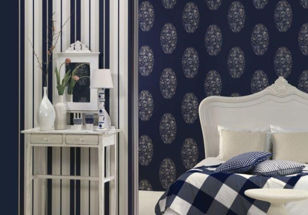 richtig tapezieren tapeten entfernen und neu anbringen. Black Bedroom Furniture Sets. Home Design Ideas