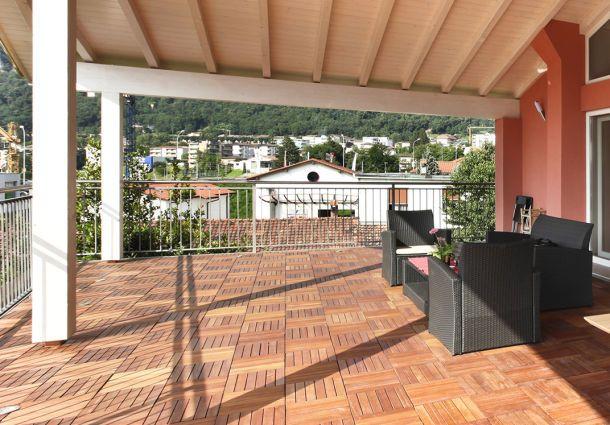 Fußbodenbelag Balkon ~ Holzfliesen auf dem balkon der richtige bodenbelag für draußen