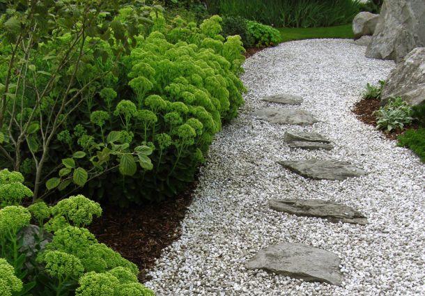 Gartenwege Den Garten Wohnlicher Werden Lassen Bauemotion De