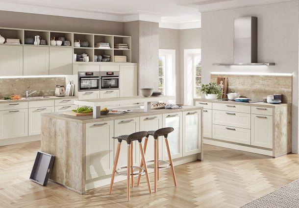 Küche: Freie Sicht ins Wohnzimmer - bauemotion.de
