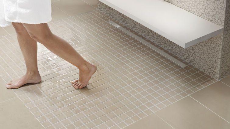 bodengleiche duschen sthetisch und praktisch. Black Bedroom Furniture Sets. Home Design Ideas