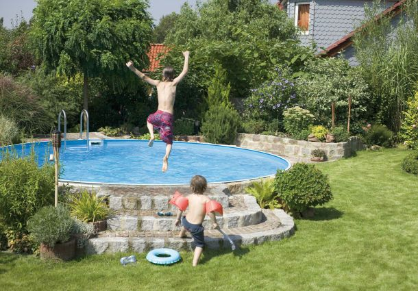 Pool Im Garten: Verspricht Spaß Und Abkühlung