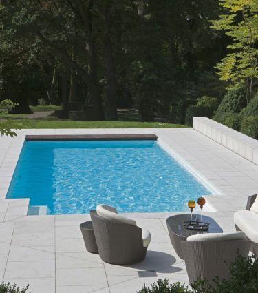 Pool im Garten - bauemotion.de