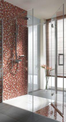 bodengleiche dusche pfiffige l sungen f r den altbau. Black Bedroom Furniture Sets. Home Design Ideas