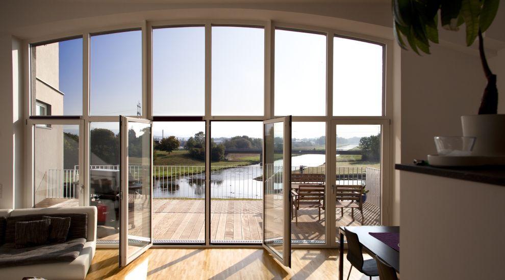 Kreative Fensterkonstruktionen für mehr Licht im Haus - bauemotion.de